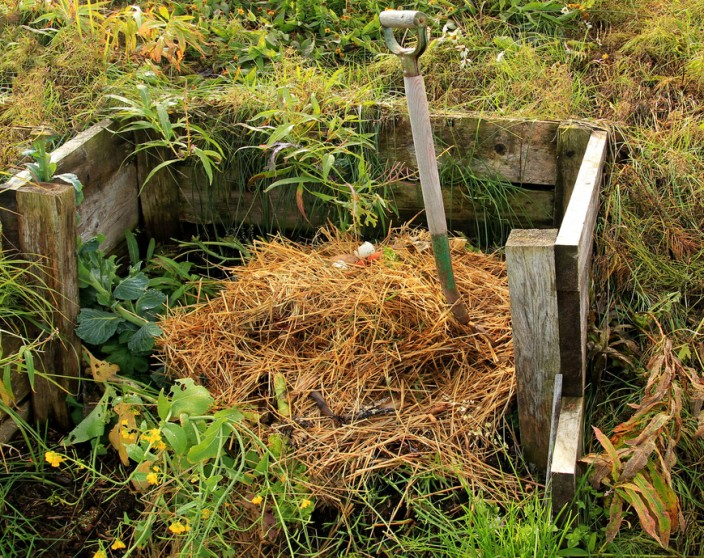 comment faire un bon compost en permaculture. Black Bedroom Furniture Sets. Home Design Ideas